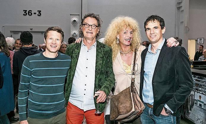 Alt-Nationalrat Jonas Fricker, Alt-Stadtammann Geri Müller, Theaterfrau Stella Palino und Einwohnerrat Benjamin Steiner (v.l.).