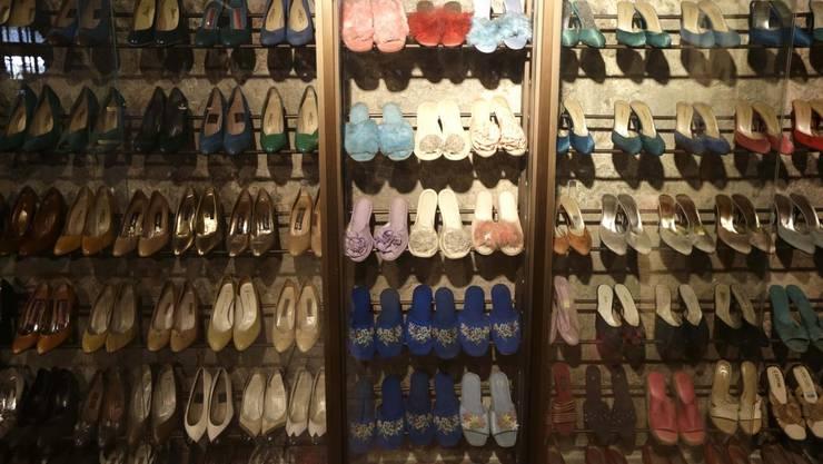 Nur einige von Imelda Marcos Schuhe. Zu bestaunen in einem Museum in Manila.