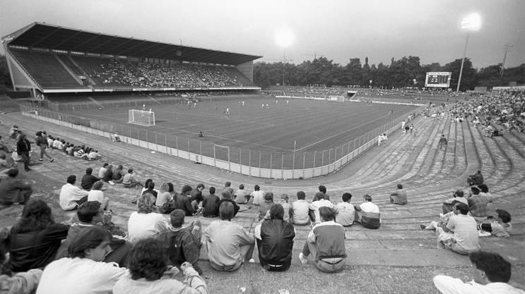 1988: Tristesse im Joggeli in Zeiten, als der FCB in der NLB spielt.