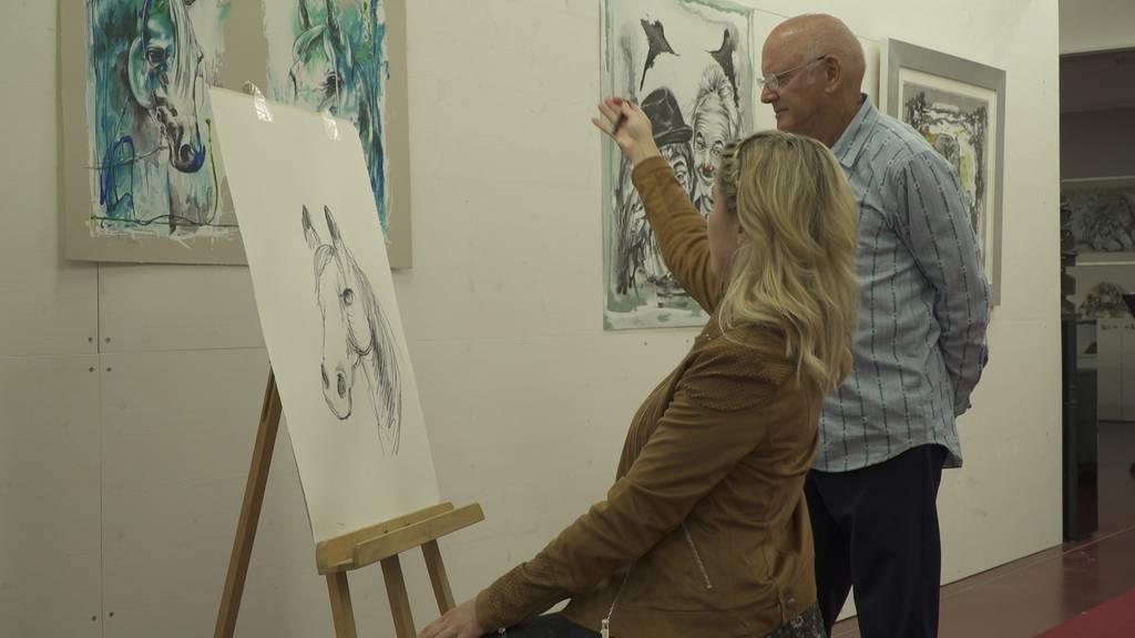 Rolf Knie macht aus Michelle einen Mini-Picasso