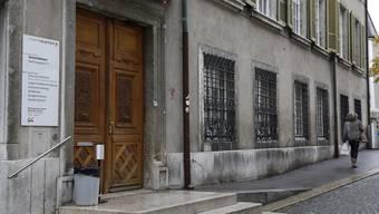 Das Gemeindehaus der Stadt öffnet die Schalter nur noch Nachmittags.