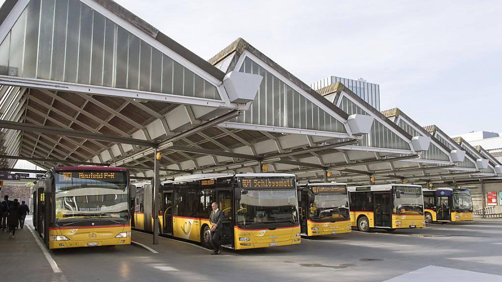 Carpostal France hat sich im Rechtsstreit mit französischen Busunternehmen auf einen Vergleich und eine Zahlung von 6,2 Millionen Euro geeinigt. (Themenbild)