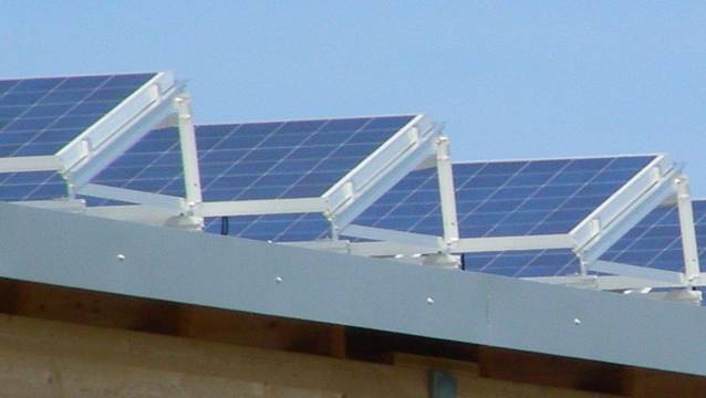 Vielversprechendes Energiekonzept: Produziert eine Anlage mehr als für den Eigengebrauch notwendig ist, wird der Strom an die Nachbarn verkauft. (Symbolbild)