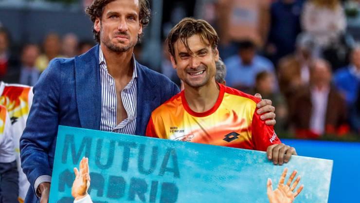 Ein Bild als Abschiedsgeschenk: David Ferrer mit Madrids Turnierdirektor Feliciano Lopez