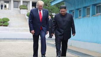 US-Präsident Donald Trump will im Moment nicht offiziell nach Nordkorea zu Gesprächen mit dem dortigen Diktator Kim Jong Un reisen. (Archivbild)
