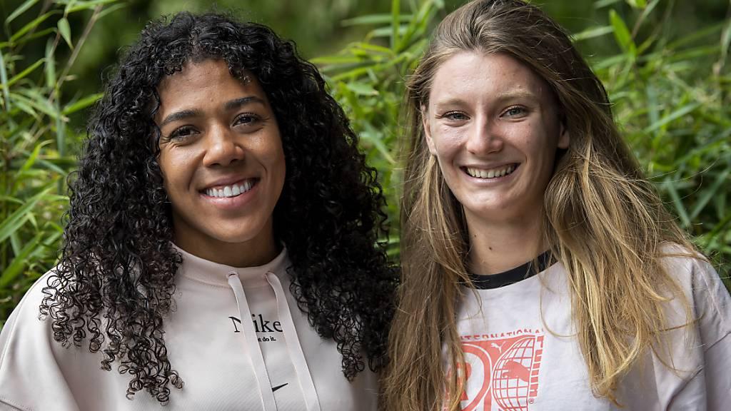 Die Schweizer Sprint-Asse Mujinga Kambundji (links) und Ajla Del Ponte.