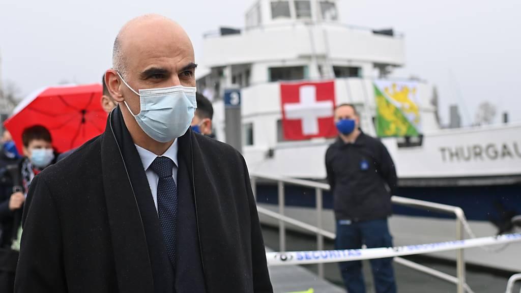 Bundesrat Berset begleitet Thurgauer Impfschiff beim Start