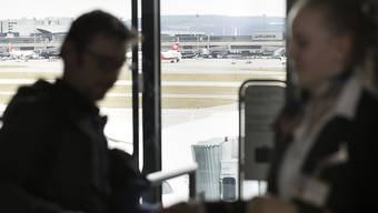 50 Franken mehr fürs Flugticket, der Umwelt zu liebe, verlangt die Schweizerischer Energiestiftung (SES) aufgrund der Ergebnisse einer Umfrage.