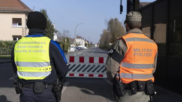 Die Zollverwaltung hat seit Beginn der Massnahmen über 30'000 Menschen die Einreise verweigert.
