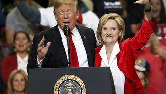 Die umstrittene Republikanerin Cindy Hyde-Smith hat die Senatswahlen in Mississippi gewonnen. Damit haben die Republikaner ihre Senatsmehrheit ausgebaut.  (Foto: Rogelio V. Solis/AP)