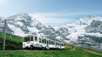 Die Jungfraubahn ab Kleiner Scheidegg – zwischen Mönch und Jungfrau. zvg