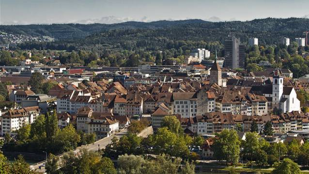 Durch die Fusion mit fünf anderen Gemeinden würde Aarau deutlich wachsen.