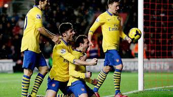 Cazorla (2.v.r.) traf für Arsenal zum zwischenzeitlichen 2:1