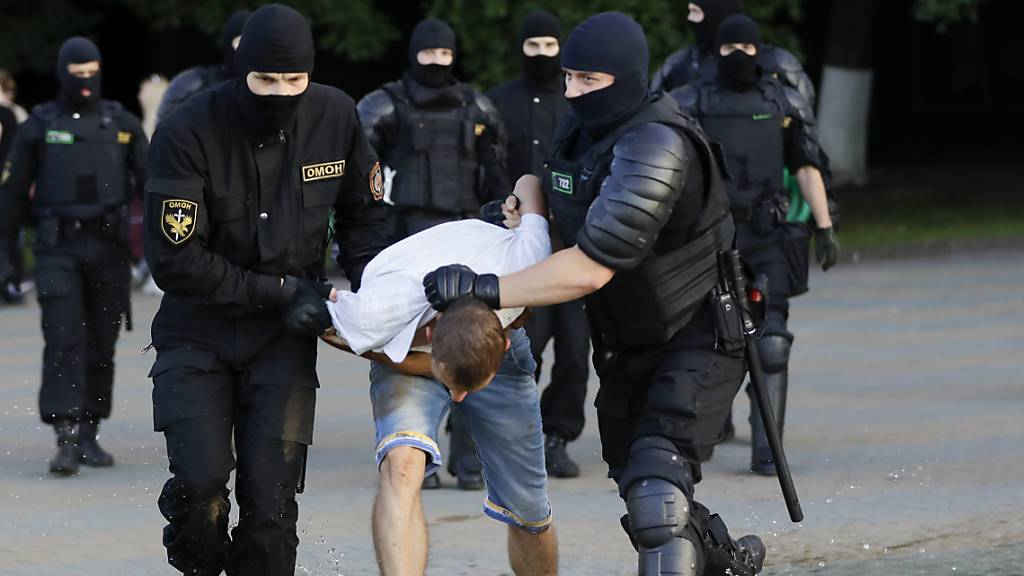 EDA kümmert sich um Schweizer Verhafteten in Minsk