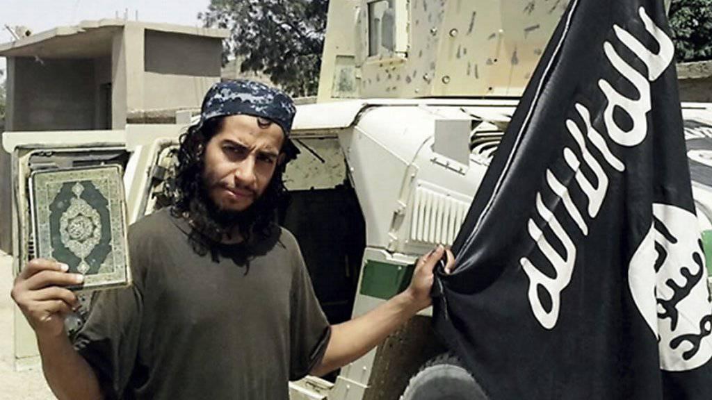 Abdelhamid Abaaoud in einer undatierten Aufnahme des englischsprachigen Magazins «Dabiq» der sunnitischen Terrorfanatiker des so genannten Islamischen Staates (IS).