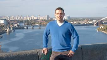 Von Kiew aus bietet Philipp Stirnemann Finanzdienstleistungen für Schweizer Kunden an. Im Hintergrund der Dnjepr.