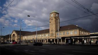 Die Polizei konnte den Dieb im Badischen Bahnhof verhaften.