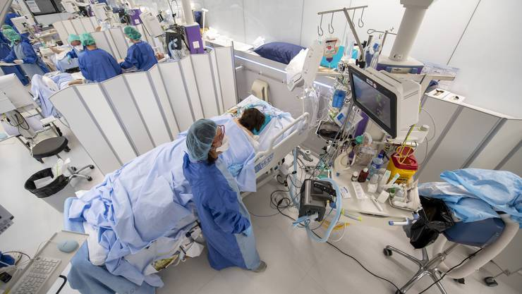 Die Spitäler in den Kantonen sind ganz unterschiedlich belegt. Proportional zur Bevölkerung gibt es momentan am meisten Patienten im Kanton Jura.