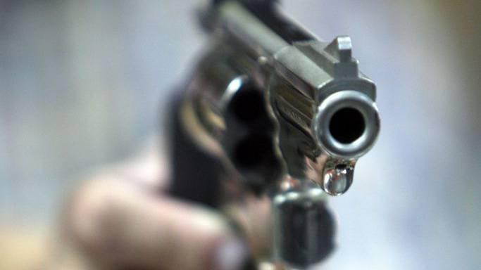 Die Täter bedrohten den Buschauffeur mit einer Pistole