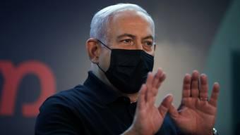 Um den Korruptionsverfahren zu entkommen, sind ihm alle Mittel recht: Israels Ministerpräsident Benjamin Netanjahu.