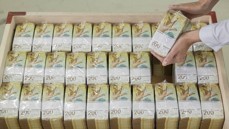500 Millionen Franken können nun in Form von Krediten an KMU ausgeschüttet werden. Der Kanton bürgt dafür mit 425 Millionen. (Symbolbild)