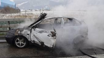 Auto brennt auf A1 am 5. Januar 2019 komplett aus
