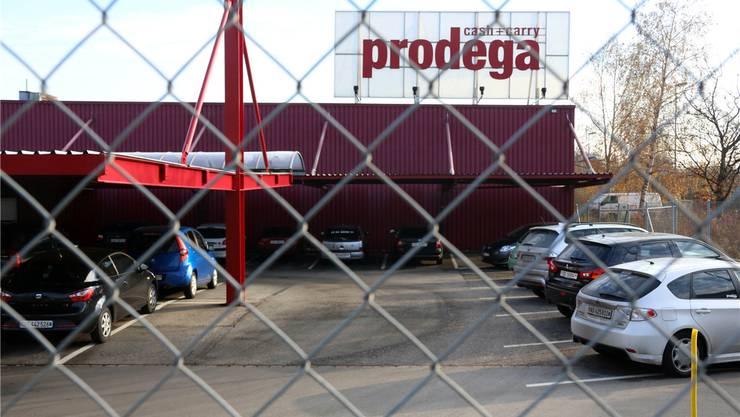 Am 22. August 2012 wurde die Prodega Cash+Carry von zwei Einbrechern heimgesucht. hr. Aeschbacher