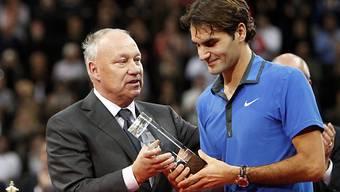 Haben sich wieder angenähert: Roger Brennwald und Roger Federer.