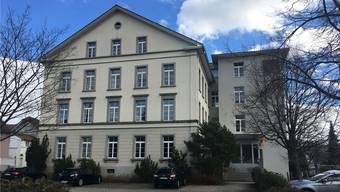 25 Jahre nach der Gewerblichen Berufsschule verliert Reinach auch das KV.KWB