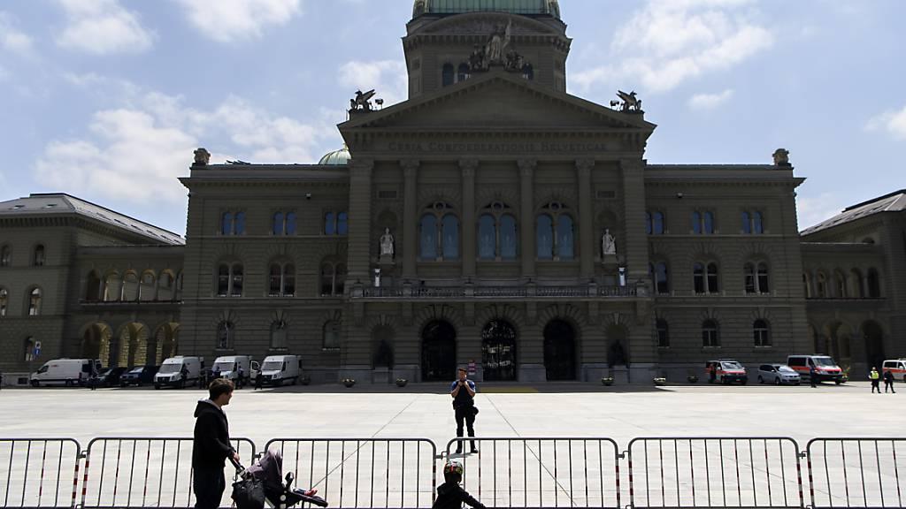 Weitere Lockerungen - Bundesrat beendet Notrechts-Regime