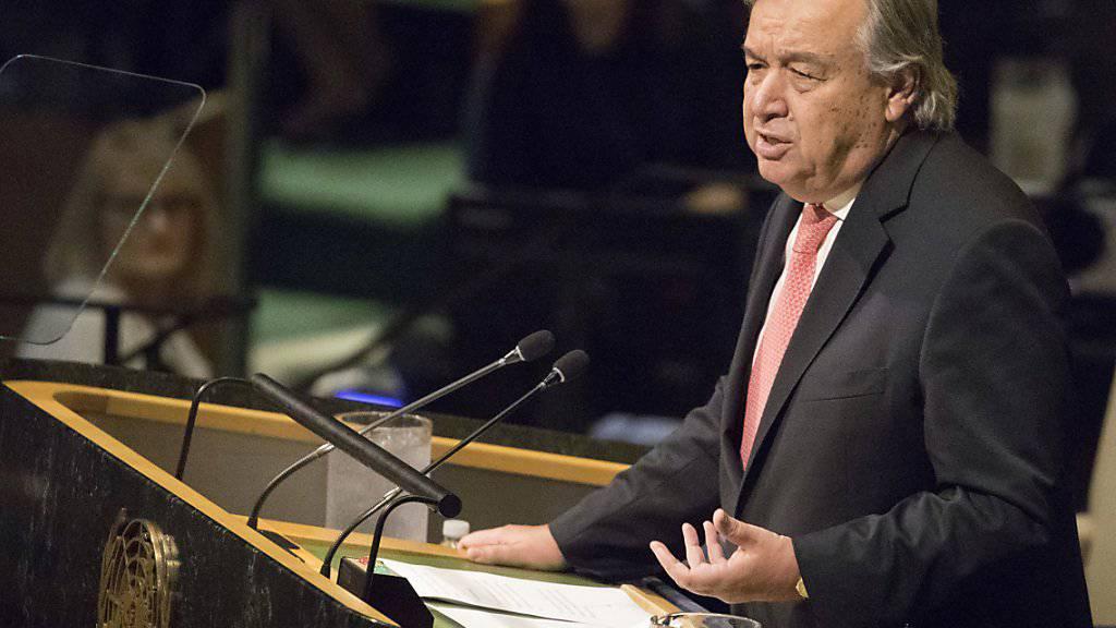 UNO-Generalsekretär Antonio Guterres bei einer Rede vor der UNO-Vollversammlung: Der Portugiese gratuliert der Schweiz zu ihrem Beitritt zur UNO vor 15 Jahren. (Archivbild)