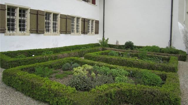 Der Klostergarten in Beinwil: Kräuter und Gemüse teilen sich den Platz.