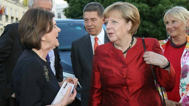 """Neuinszenierung von Samuel Becketts """"Endspiel"""" in Salzburg. An der Premiere waren auch die deutsche Kanzlerin Angela Merkel und Ehemann Joachim Sauer."""