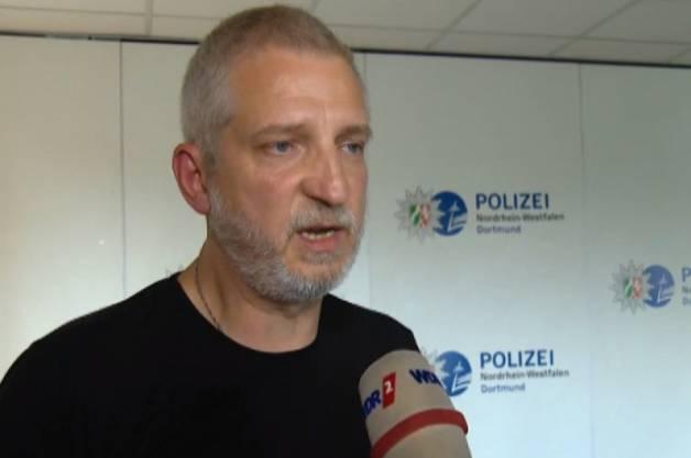 Kriminalhauptkommissar Uwe Block hatte die Akten des Mordfalls stets in seinem Büro stehen.