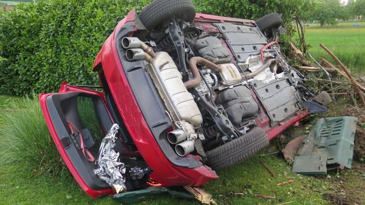 Das Unfallauto erleidet einen Totalschaden.