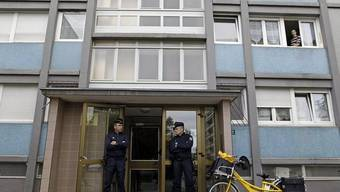 Vor dem Haus in Strassburt, wo die Polizei einen Terror-Verdächtigen erschoss
