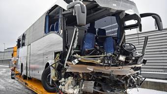 Tödlicher Car-Unfall auf A3 bei Zürich
