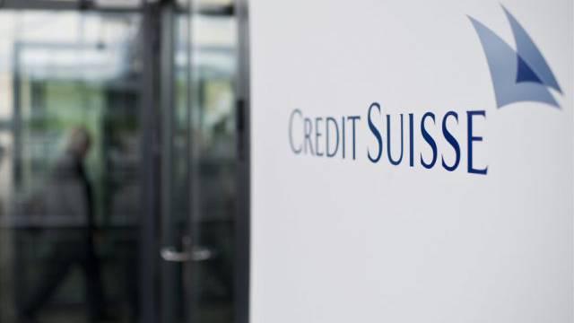 Credit-Suisse-Firmenlogo an einer Aktionärsversammlung (Archiv)