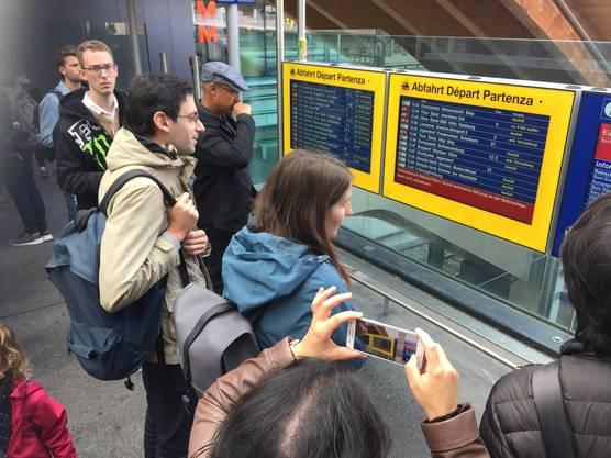 Verspätungen und Zugausfälle am Bahnhof Bern wegen einer Stellwerkstörung (3)
