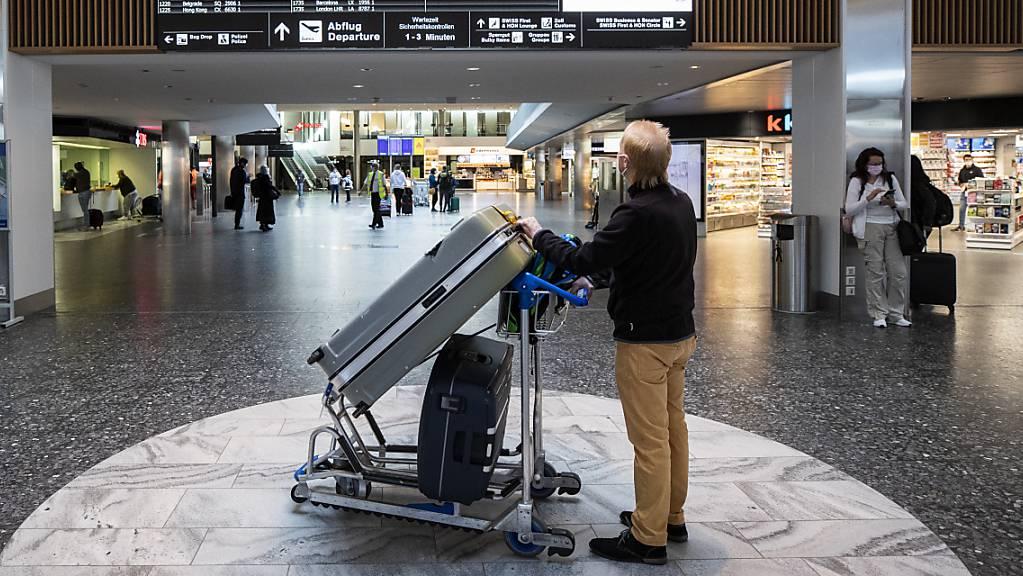 Im April 2021 sind am Flughafen Zürich mehr Flugzeuge gestartet und gelandet. (Archiv)