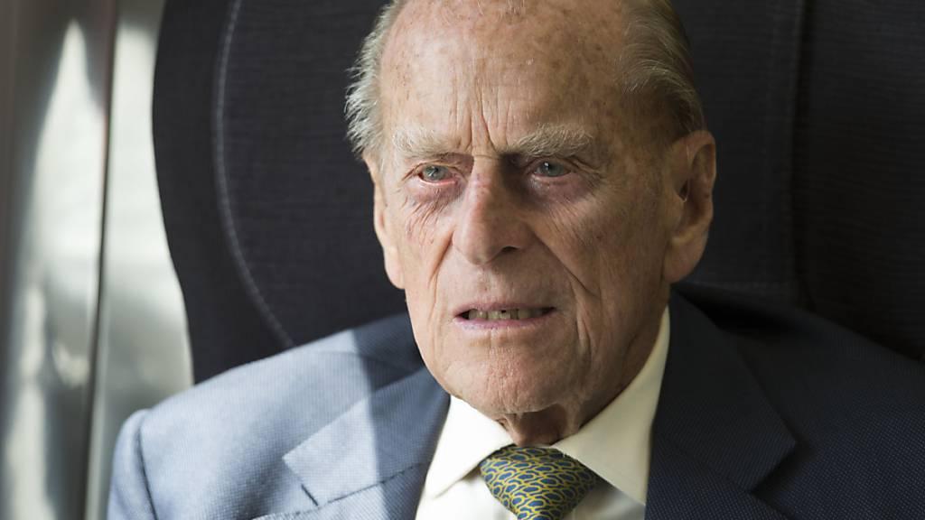 ARCHIV - Der britische Prinz Philip erholt sich von einer Infektion. Foto: Paul Edwards/The Sun/Press Association/dpa