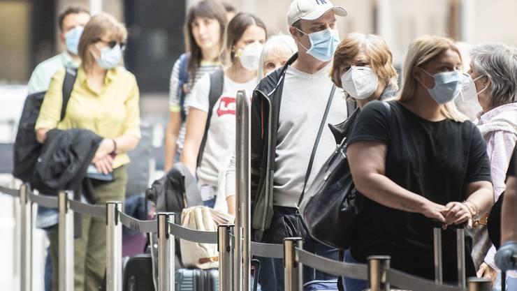 Reisende aus 15 Ländern dürfen ab Juli wieder in die EU. Für Amerikaner gilt die neue Öffnung nicht.