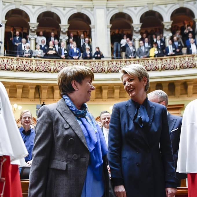 Zwei Frauen in den Bundesrat gewählt
