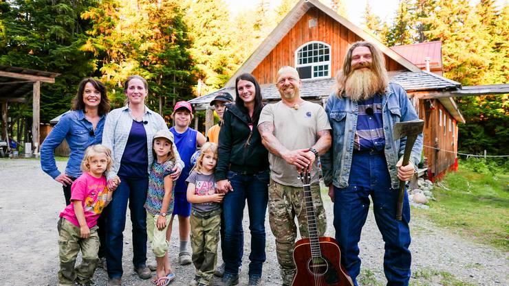 Gölä ist mit seiner Familie zu Besuch bei Auswanderer-Familie Schönbächler in Rosswood, im nördlichen British Columbia