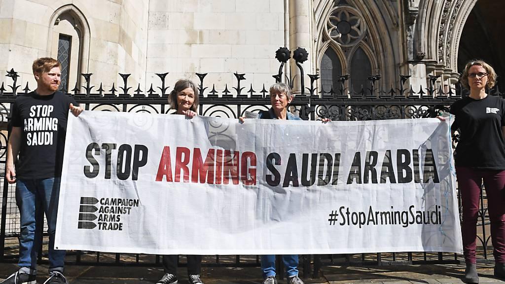 Grossbritannien nimmt Waffenexporte nach Saudi-Arabien wieder auf