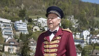 So trat er unlängst beim Bäder-Spatenstich als Hotelportier in historischem Kostüm auf.