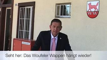 Die Gemeinde Wolfwil hat ihr Wappen wieder zurück, wie in der Videobotschaft des Gemeindepräsidenten zu sehen ist.