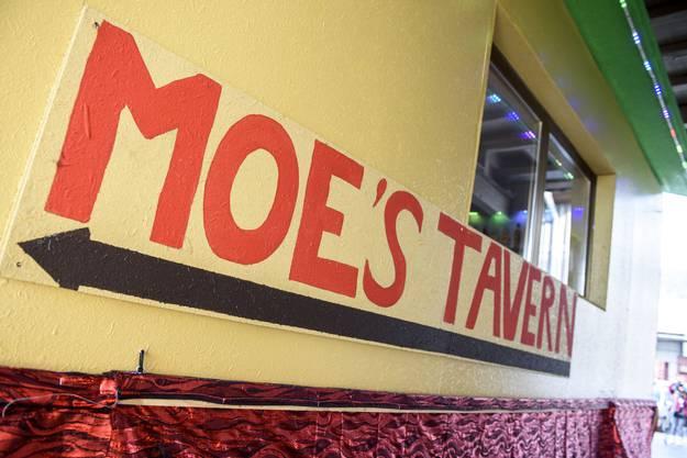 Obs in «Moe's Taverne» auch «Duff»-Bier serviert wird?