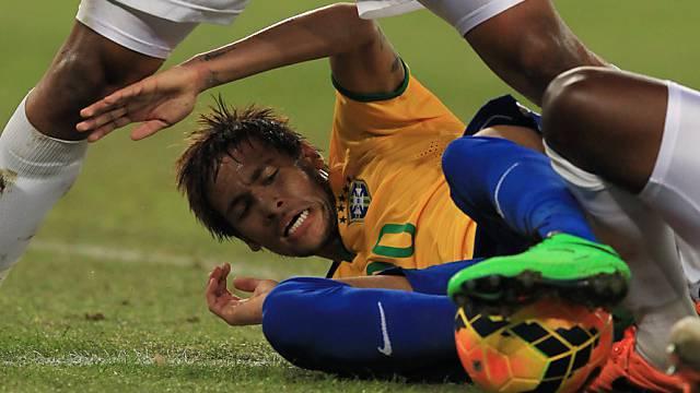 Brasiliens Neymar konnte nur mit unsanften Mitteln gestoppt werden