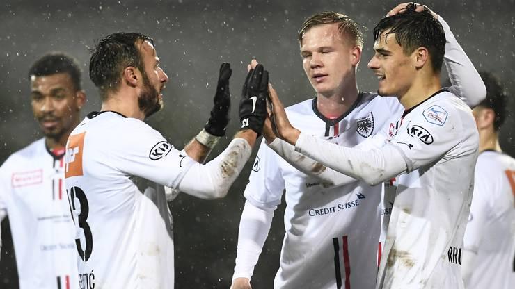 Mats Hammerich jubelt mit seinen Teamkollegen